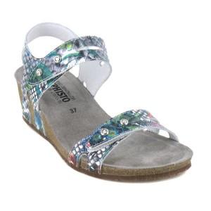 Sandales de grandes marques pour les femmes à la recherche